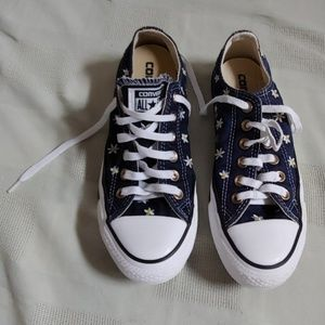 Converse denim canvas with white/yellow flower